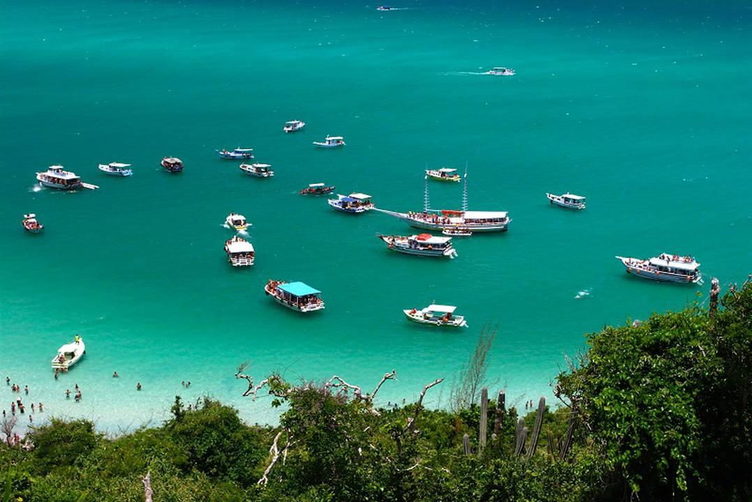 Suítes Praia Grande: 2 Diárias p/ 2 Pessoas de Acordo c/ a Opção Escolhida