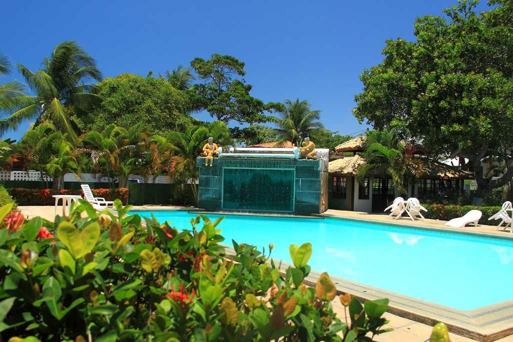 Hotel com piscina localizado em Coroa Vermelha