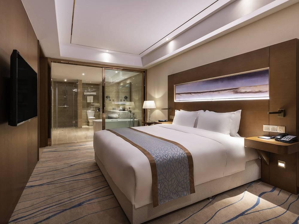 Hotel Novotel Qingdao New Hope