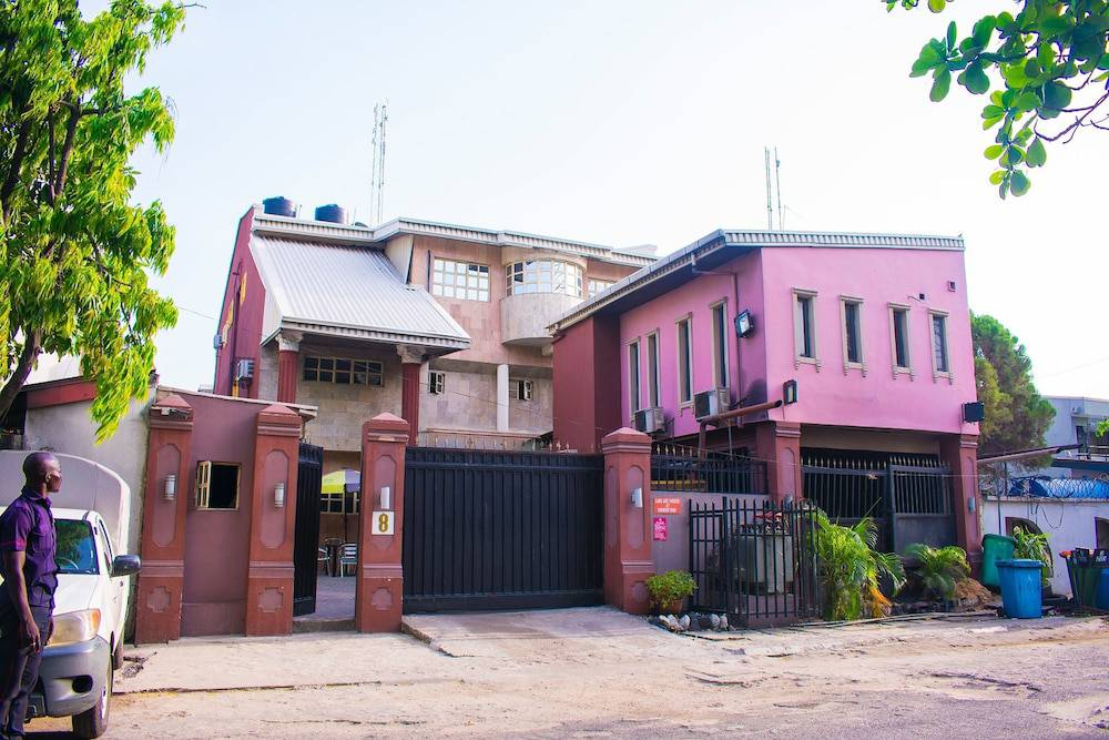 Maidaville Hotel and Suites