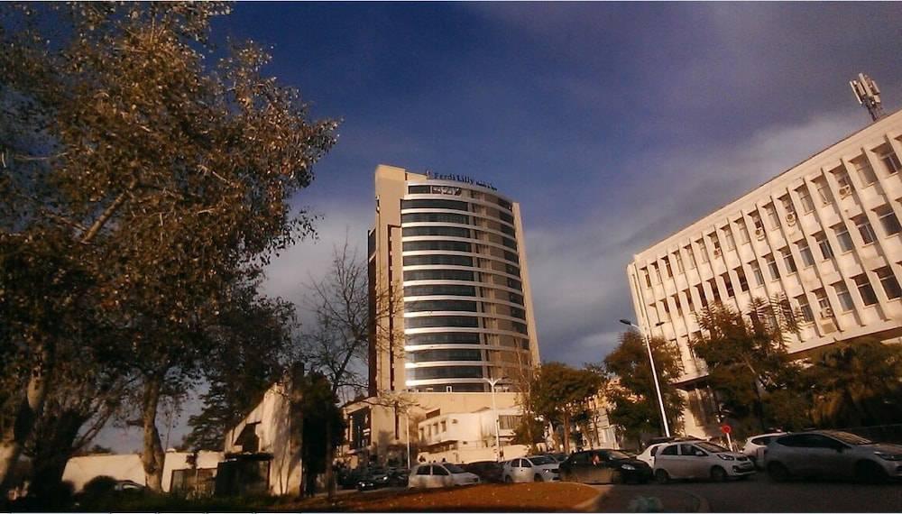 Ferdi Lilly Hotel