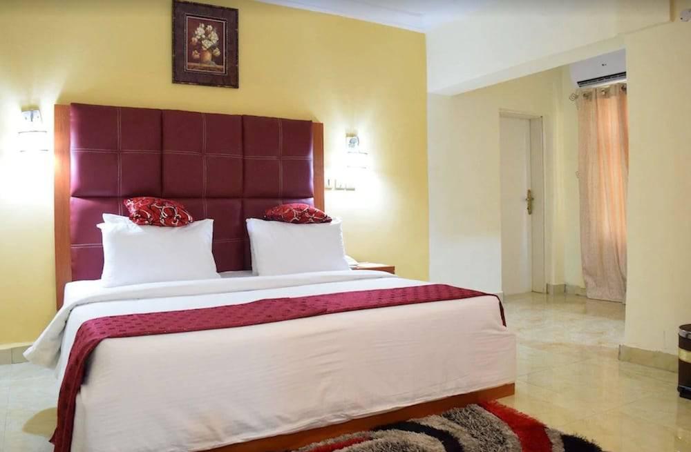 Charriot Hotels