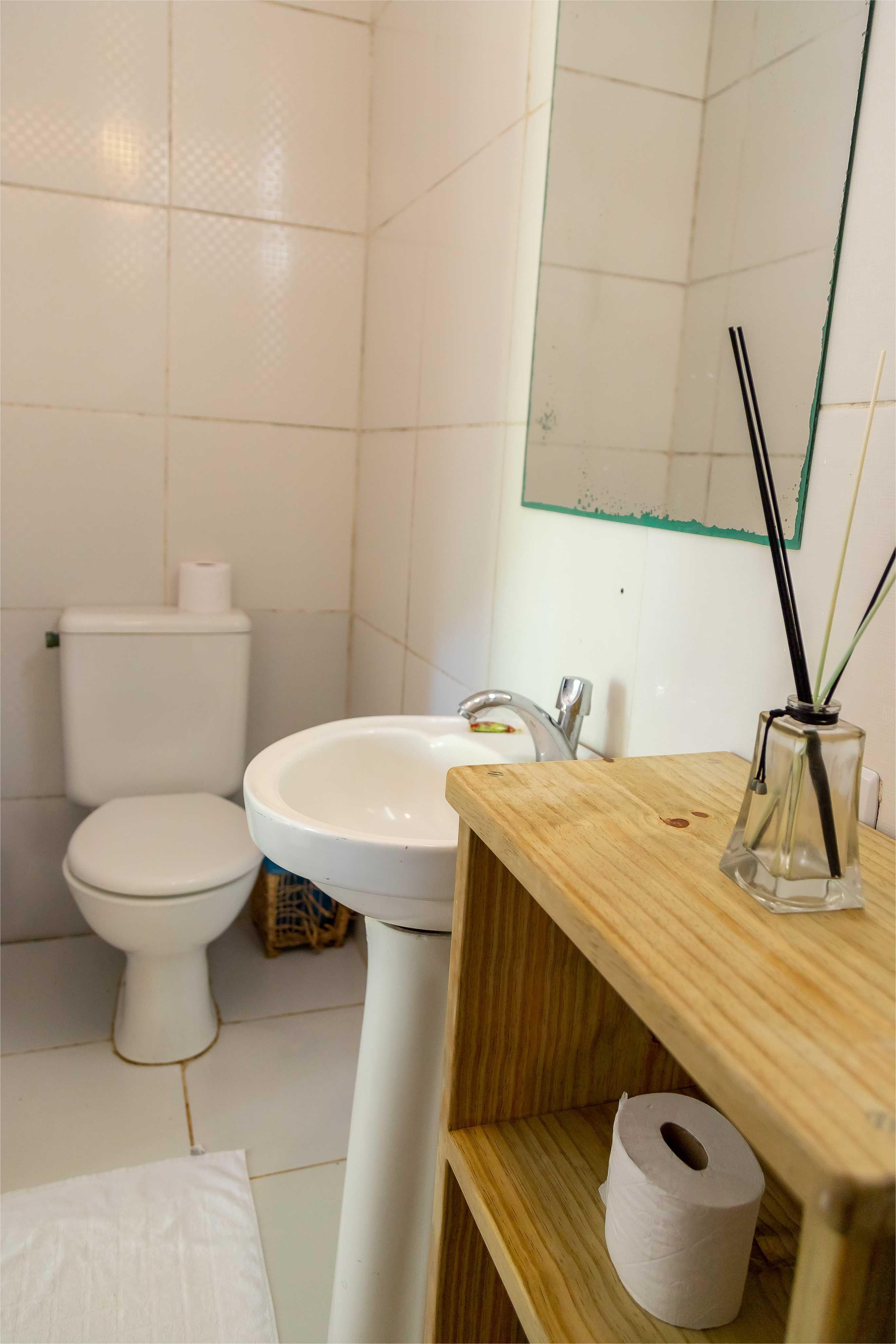 Bathroom suite 06