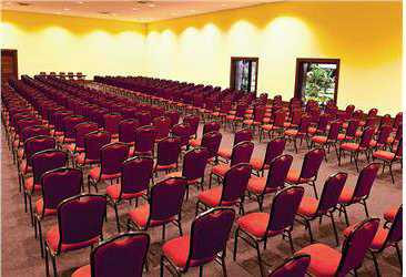 Dom Pedro Laguna Convention Center with capacity for up to 400 people