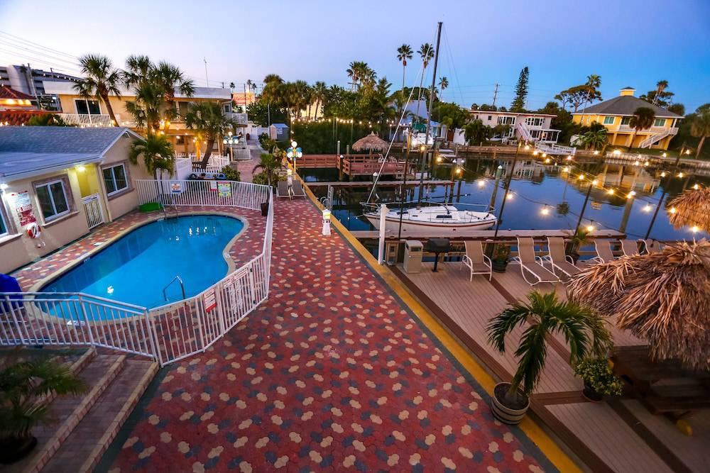 Bay Palms Waterfront Resort - Hotel and Marina
